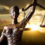 Historia del Origen del Derecho